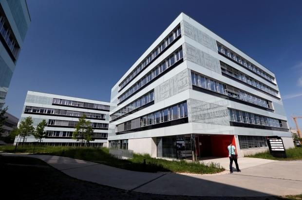 المعهد الفيدرالي السويسري للتكنولوجيا في لوزان